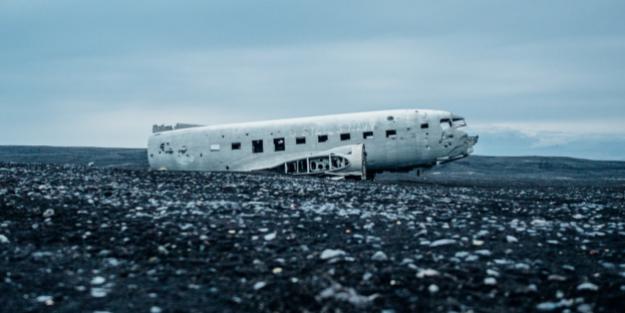 plane from upsplash